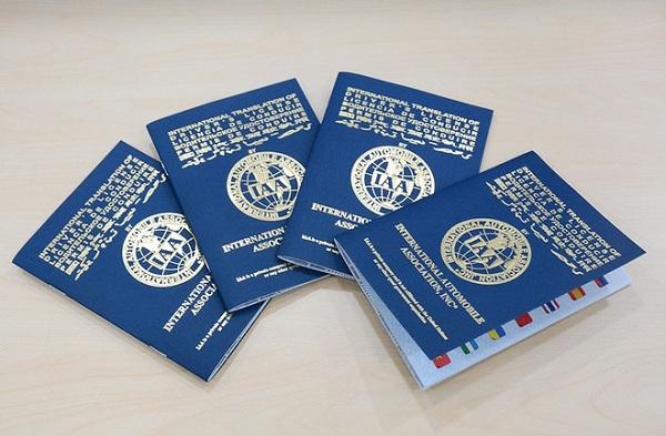 Tại sao phải chuyển đổi giấy phép lái xe quốc tế